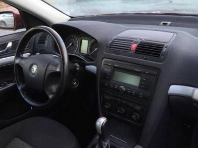 begagnad Skoda Octavia Scout 2,0 TDI 4WD nybesiktad -08