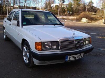 begagnad Mercedes 190 122 hk toppskick
