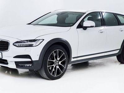 begagnad Volvo V90 Cross Country. Årsmodell 2017 D4 AWD Pro