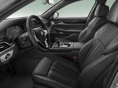 begagnad BMW 730 d xDrive M-Sport (265hk)