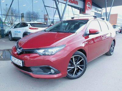 begagnad Toyota Auris Touring Hybrid 1.8 VVT-i 136 hk CVT Comfort + 3JM
