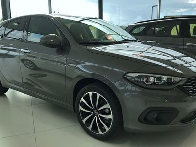 begagnad Fiat Tipo TIPO 5D LOUNGE 1,4 120HK MT 17' 2019