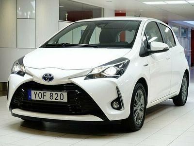 begagnad Toyota Yaris Hybrid 1.5 HSD Active / OBS! 2630mil / V-Hjul / TKG