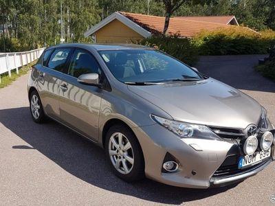 begagnad Toyota Auris 1,4 liter diesel -13