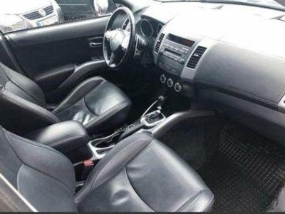begagnad Mitsubishi Outlander 2.2 Di-D 4WD