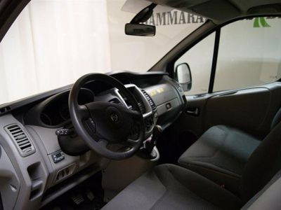 begagnad Opel Vivaro L2H1 Combi 2.0 CDTI 114 HK 9 plat -12