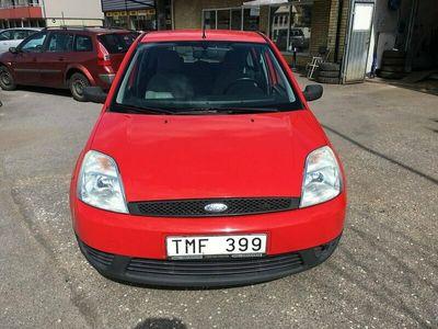 begagnad Ford Fiesta 5-dörrar 1.4 80hk Besiktigad
