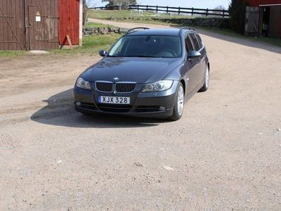 begagnad BMW 330 i Touring Comfort, Dynamic
