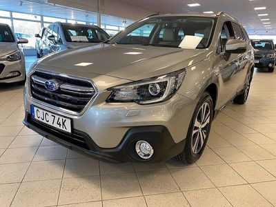 begagnad Subaru Outback 2.5 Summit Ivory 4WD Lineartronic 2019, Kombi 359 000 kr