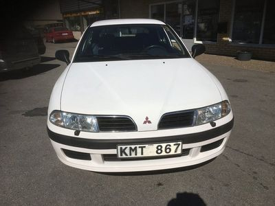 begagnad Mitsubishi Carisma 1.6 (99hk) Ny besiktigad
