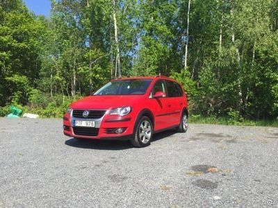 begagnad VW Touran Cross 7 sits -09