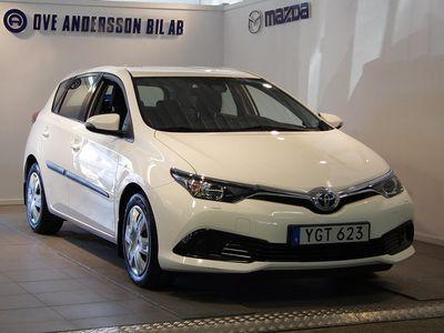begagnad Toyota Auris Hybrid 1,8 HSD 5d Active 99 hk
