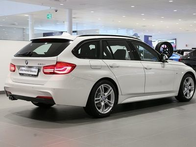 begagnad BMW 320 i Touring / M-Sport / Navi / PRIVATLE -19