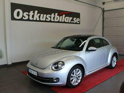 begagnad VW Beetle The 1.2 TSI Comfort Glastaklucka 2012, Halvkombi Pris 99 900 kr