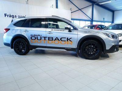 begagnad Subaru Outback Summit 2.5 Automat -16