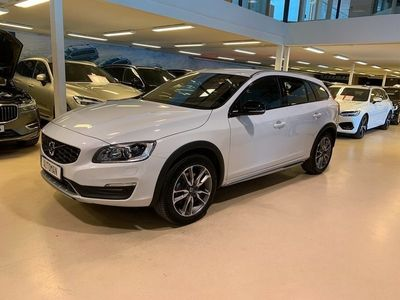 begagnad Volvo V60 CC D4 Classic Pro (Summum) // Dragkrok //