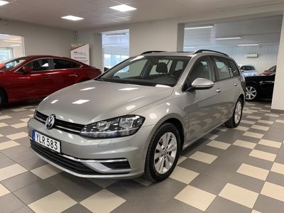 begagnad VW Golf Variant 1.0 TSI 110 Hk Automat Panorama drag