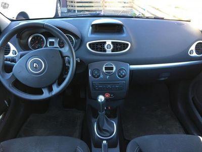 begagnad Renault Clio 1.2 75hk, endast 2 ägare -12
