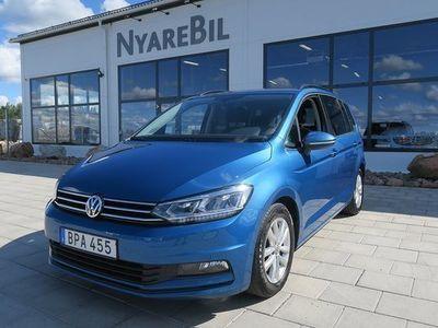 begagnad VW Touran 1,6 TDI 7-sits 115hk Dieselvärmare Navigation Drag