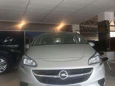 begagnad Opel Corsa 5-dörrar 1.4 Euro 6 90hk plus pake -19