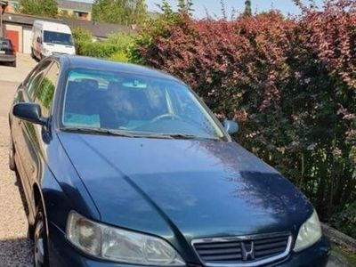 begagnad Honda Accord Halvkombi