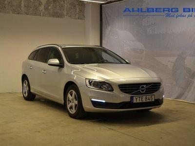 begagnad Volvo V60 T3 aut Classic Edition ader Parkeringssensor fram bak, Adaptiv farthållare 2018, Kombi 219 500 kr