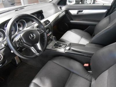 begagnad Mercedes C220 CCDI Bi-xenonstrålkastare