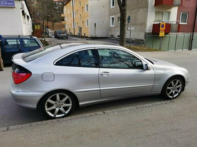 begagnad Mercedes C230 KOMP