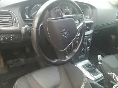 begagnad Volvo V40 kombi- sedan d2 94g momentum -13