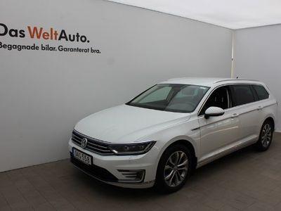 begagnad VW Passat Sportscombi SC GTE 218 HK EXECUTIVE DSG 7448 MIL 040 380290
