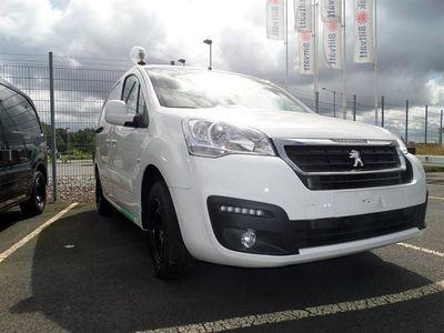begagnad Peugeot Partner SKåp L2H1 BlueHDi 100 Automat