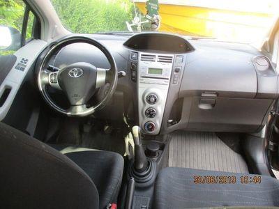 begagnad Toyota Yaris 5-dörrar 1.3