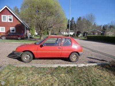 begagnad Peugeot 205
