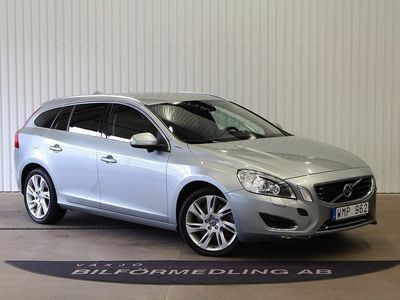 begagnad Volvo V60 D6 Plug-in Hybrid AWD Geartronic Summum 283hk