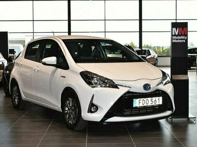 begagnad Toyota Yaris halvkombi Hybrid 1.5 VVT-i CVT Euro 6 101hk bensin automat Vit