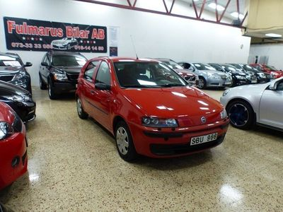 begagnad Fiat Punto 1.2 Ny Kamrem Ny Servad 80hk
