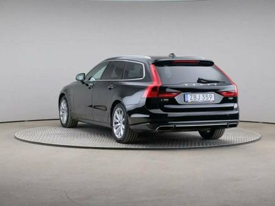 begagnad Volvo V90 T8 407 Awd Momentum Teknikpkt Drag