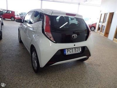 begagnad Toyota Aygo 1.0 5dr X-play touch -15