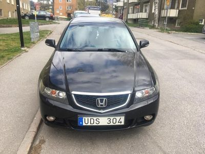 begagnad Honda Accord 2.0, svart, felfri