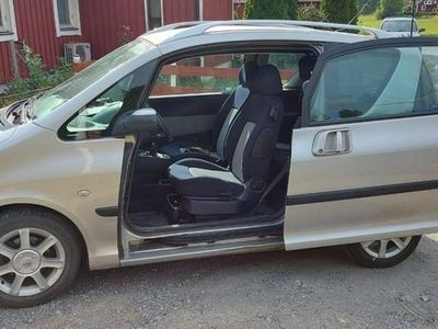 begagnad Peugeot 1007