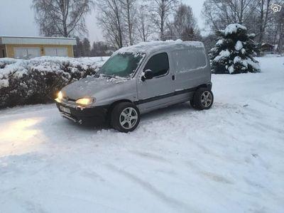 begagnad Peugeot Partner 1,9D -01