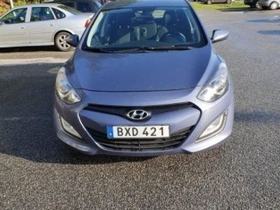begagnad Hyundai i30 1.4 CVVT 99 Hk -14