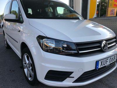 begagnad VW Caddy 2.0 TDI LIFE bluemotion 5 sits