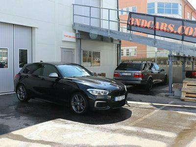 begagnad BMW M135 i EU6 326hk M-sport Taklucka Navi Harman