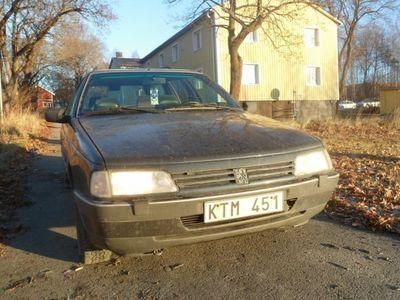 begagnad Peugeot 405