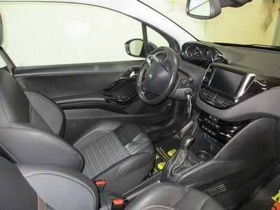 begagnad Peugeot 208 1,4 VTI 3 D 95HK