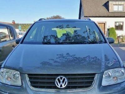 begagnad VW Touran 2.0 fsi