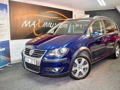 begagnad VW Touran Cross 2.0TDI 7-sits Navi Kamrem bytt Backkamera