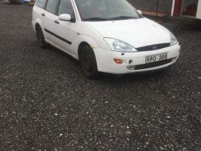 used Ford Focus -00