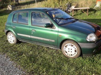 begagnad Renault Clio 1.4 - 01 -01